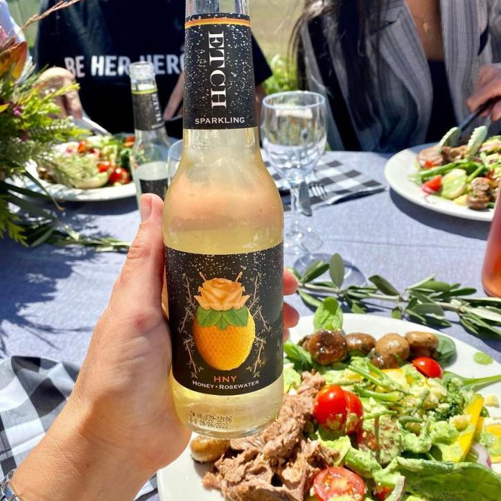 ETCH for lunchEtch Sparkling, no sugar beverages, natural honey sugars only for our ever so slightly sweet (HNY). No Preservatives, no artificial anything and NO hangover!Check out these sparking drinks @etchsparkling