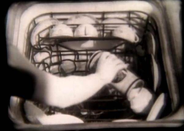 1933 dishwasher in Just Around the Corner