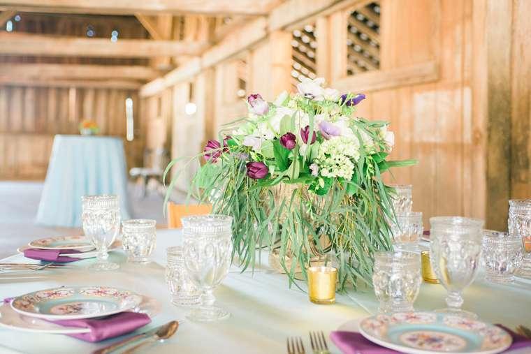 Garden inspired tablesetting in Warrenwood Barn