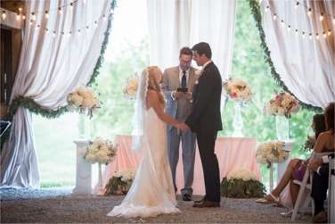 Southern glam ceremony in barn