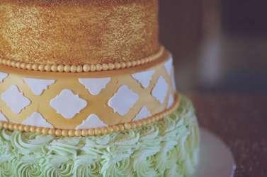 Vintage Glam cake details