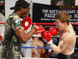 An experienced boxing coach is the fastest way to learn