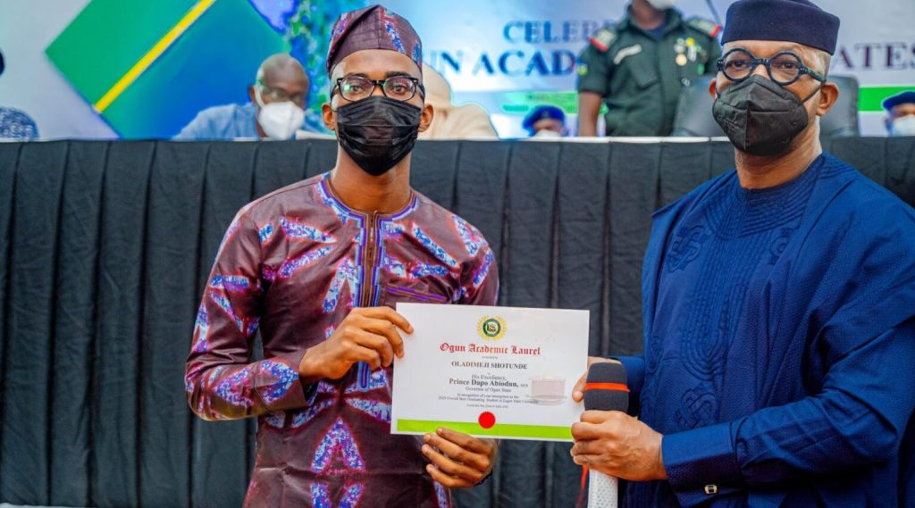 Gov. Dapo Abiodun gifts LASU best graduating student a two-bedroom bungalow and N2m