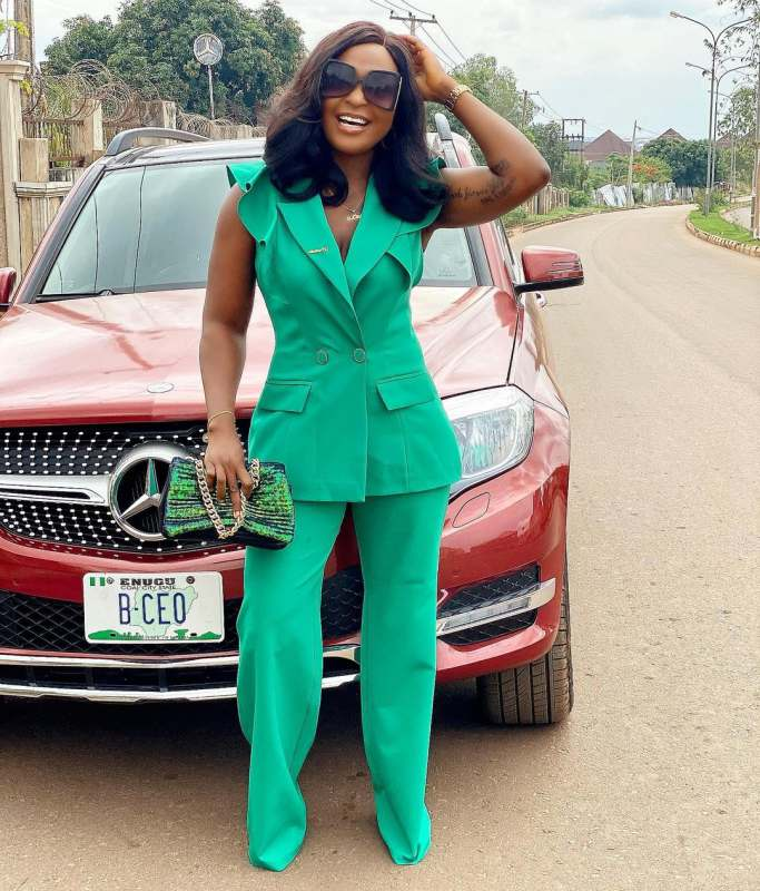 """""""Give her the money"""" – Blessing Okoro reacts to claims that amputee 'pure water' seller lied"""