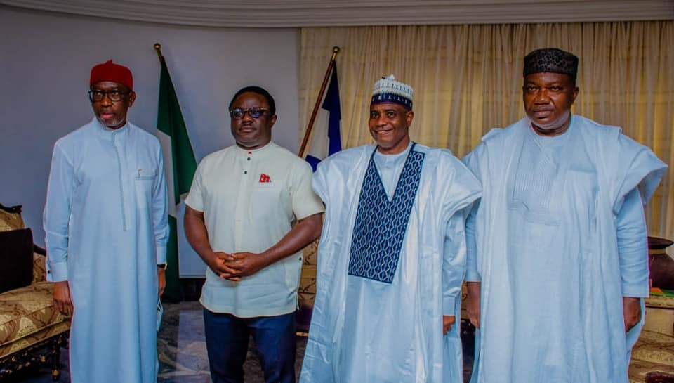 Throwback to when Ayade received 'his brother Governors' and expressed confidence in PDP 3 weeks before he defected to APC