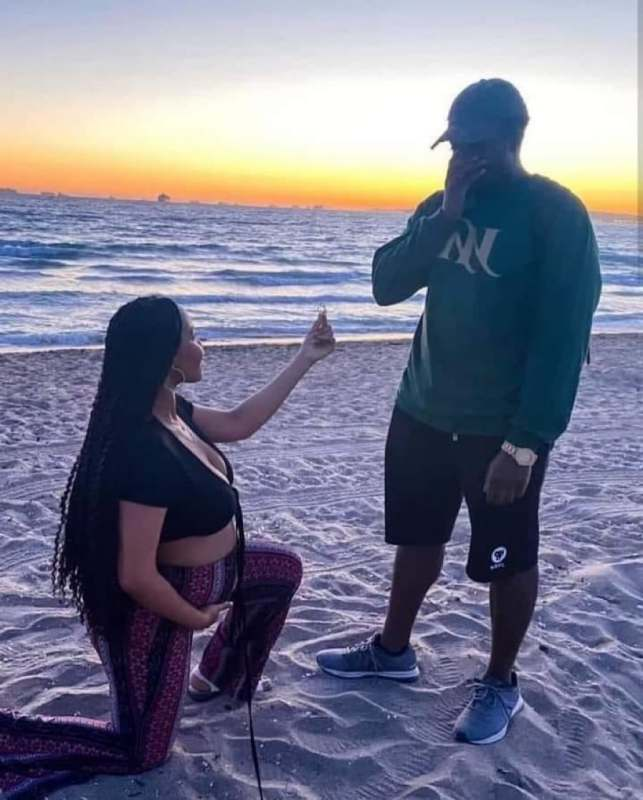 """""""Can a woman respect a man she proposed to?"""" – Reactions as pregnant lady proposes to boyfriend"""