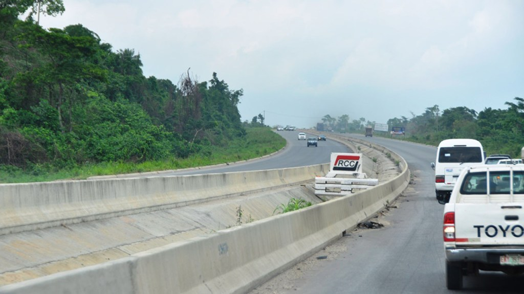 Two hawkers crushed to death along Lagos-Ibadan expressway