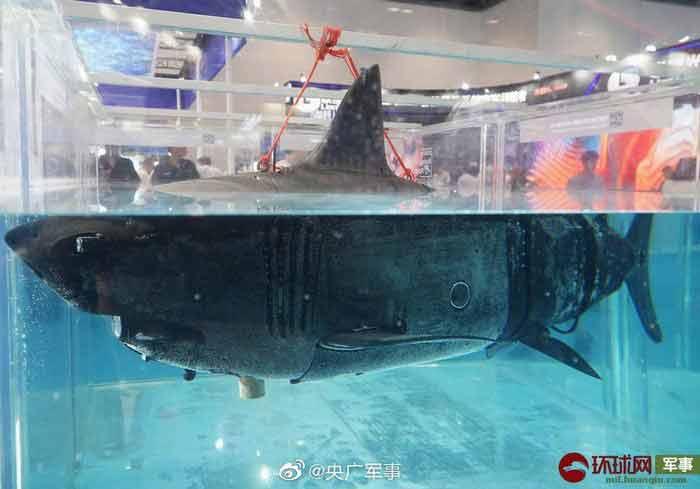 Čínske podvodné drony – žraloky pásové vozidlá i helikoptéry  -FOTO-
