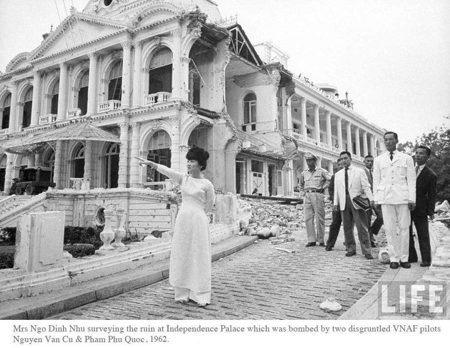 Дворец после атаки - Разбомбить президента: «Скайрейдеры» над Сайгоном | Военно-исторический портал Warspot.ru
