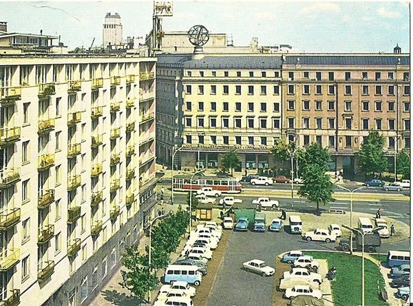 Widok z ulicy Brackiej na Aleje Jerozolimskie, wg fotografii barwnej P. Krassowskiego
