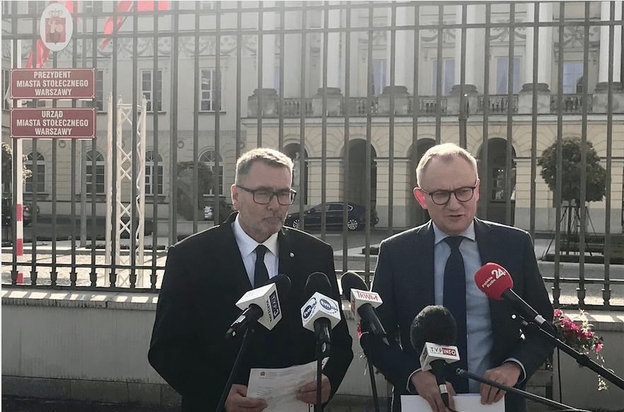 Czy Rafał Trzaskowski chce usunąć krzyże z warszawskich szkół?