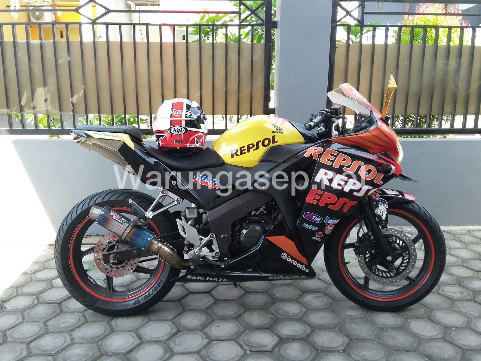 Modifikasi Honda Cbr150r Cbu 2012 Buntut Ala Ninja Topspeed 161km Jam Power 21hp Warungasep