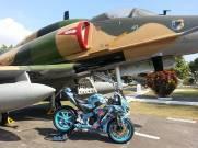 el flangker dekat jet