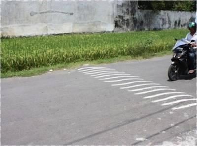 contoh polisi tidur yang benar (sumber gambar http://kampanyek3.blogspot.co.id/)