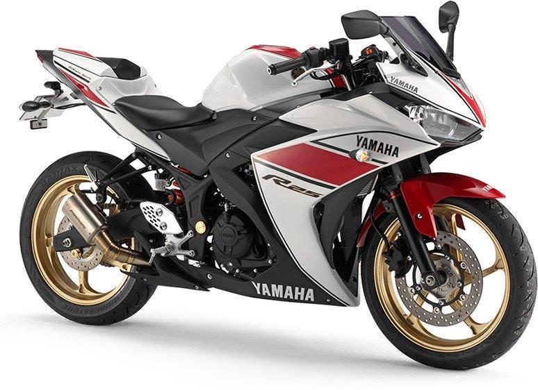 yamaha-yzf-r25-merah-putih