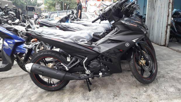Yamaha MX-King Hitam Doff