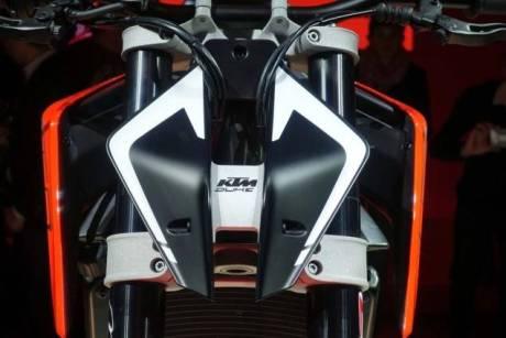 Wajah Sangar KTM Duke 790 Concept