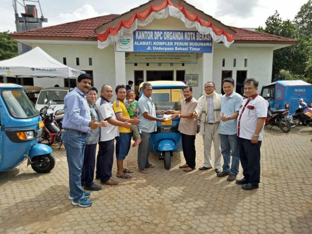 TVS King kendaraan roda tiga untuk warga Bekasi