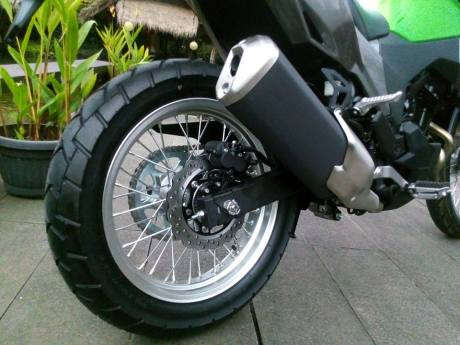 Ban belakang Kawasaki Verys 250cc