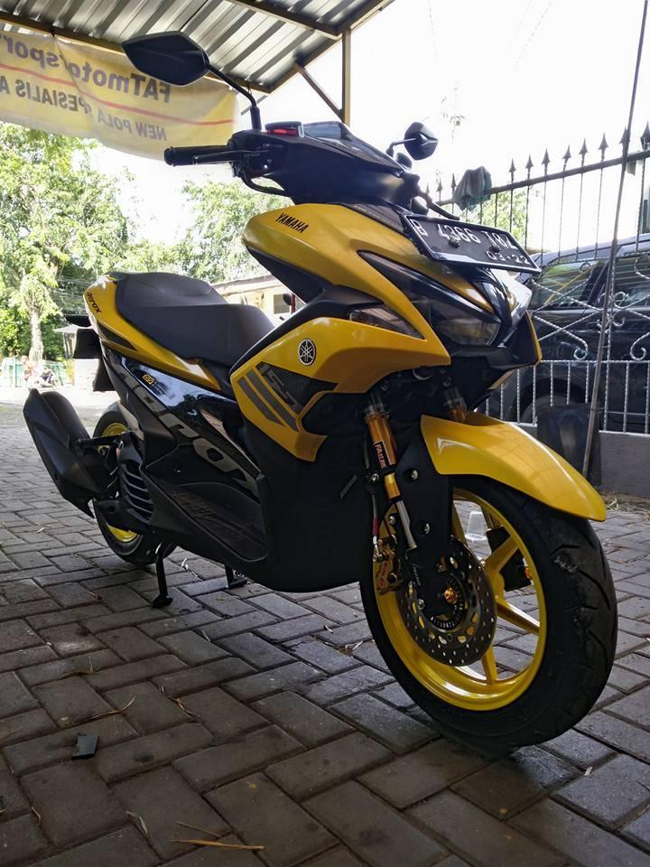 Modifikasi Yamaha Aerox 155 Kuning Pakai Upside Down Dan Suspensi