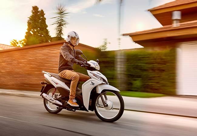 Honda Wave 110S 2017 Argentina, Bebek Unik Perpaduan Blade dan Supra-Fit Plus Stoplamp Verza