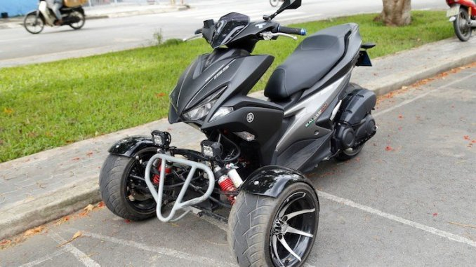 Modifikasi Yamaha Aerox 155 Roda Tiga Anti Jatuh Warungasep