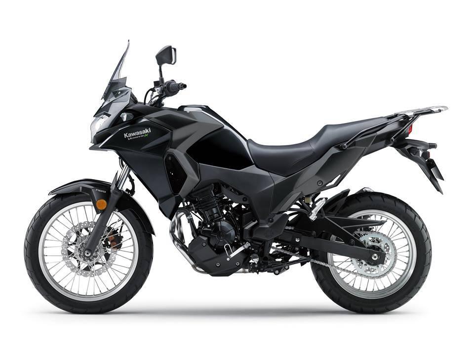 versys 250 2017 hitam