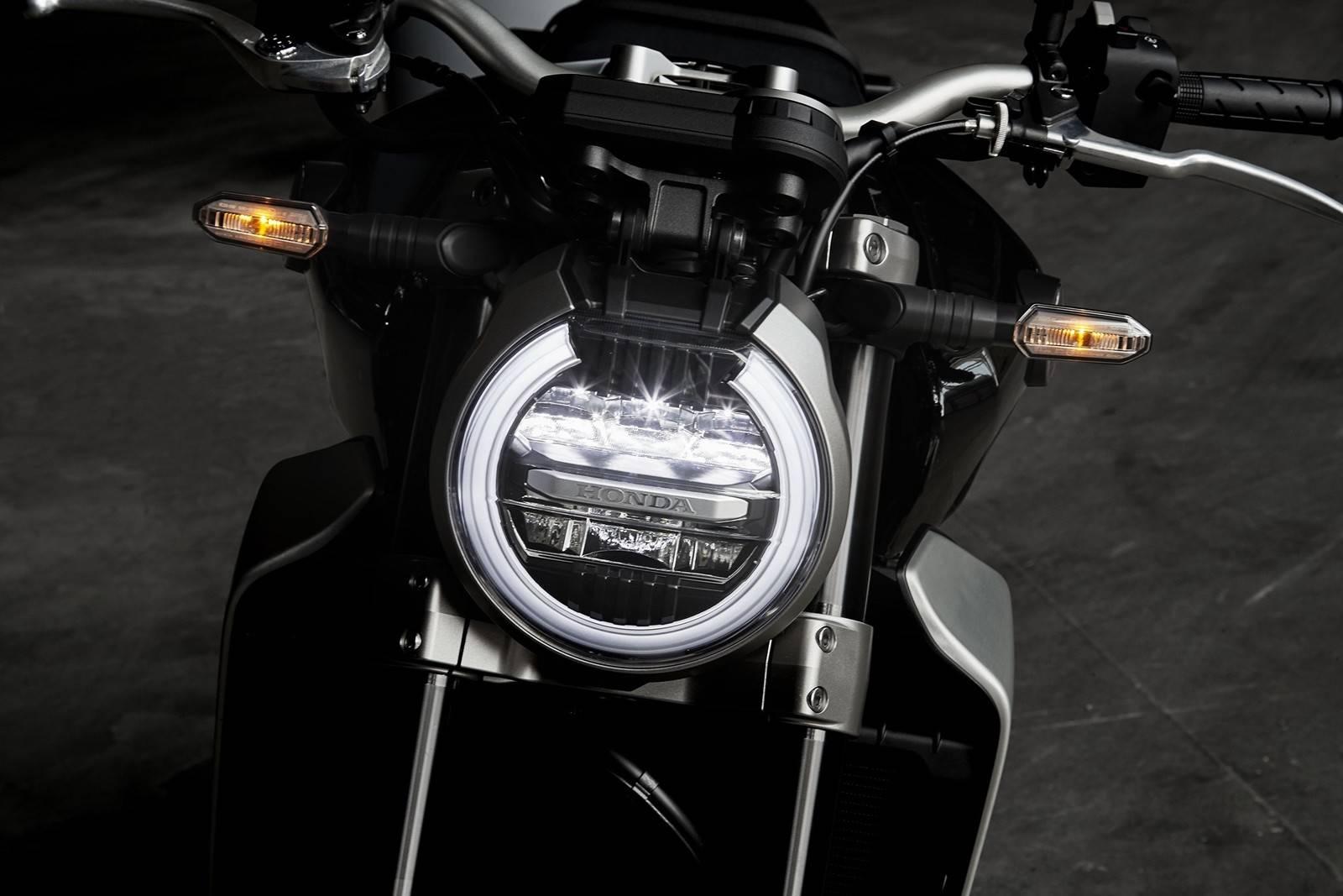 Honda CB1000R 2018 headlamp