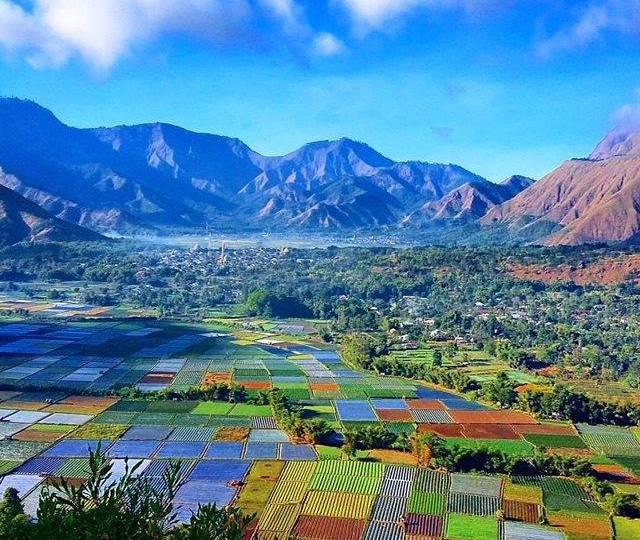 bukit pergasingan,sembalun,lombok,gunung rinjani,topi awan gunung rinjani,bukit pergasingan sembalun,panorama bukit pergasingan