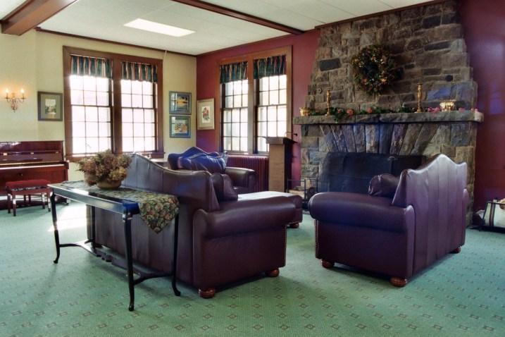 Main Lounge 3