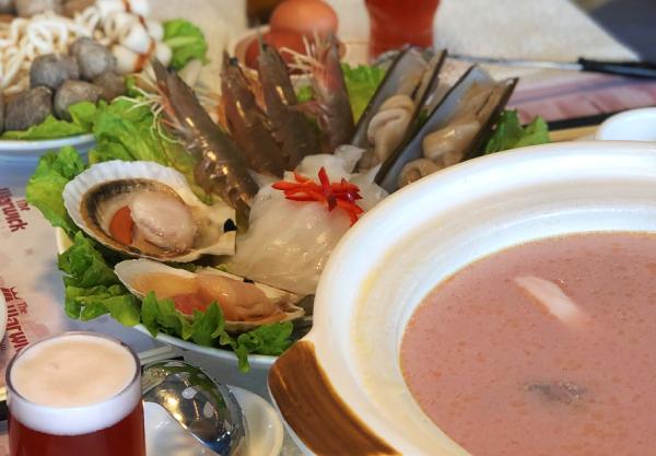 seafood pink hotpot