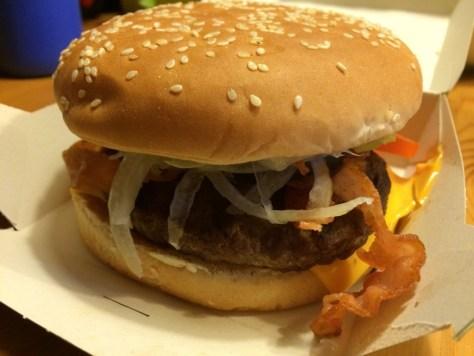 Burger me, Cheeseburger mit Speck