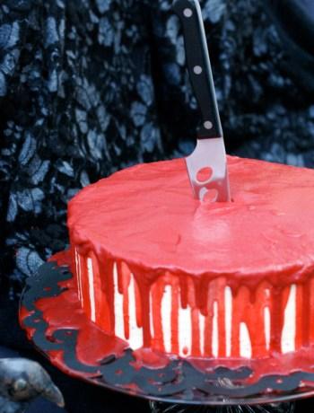 Halloween-Special Blutige Red Velvet Torte