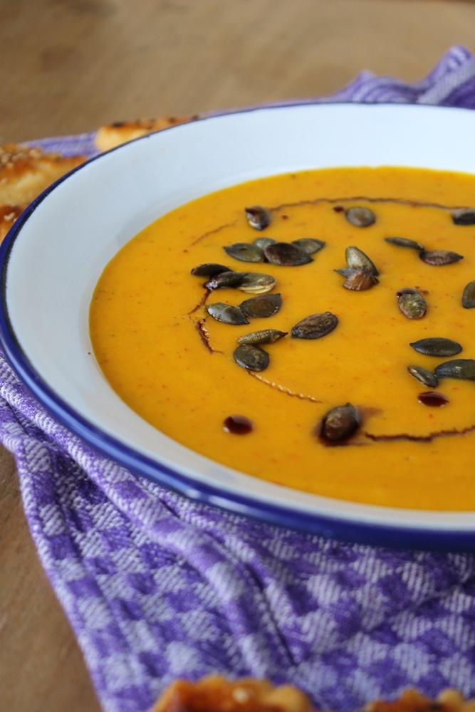 Halloween-Special geröstete Kürbissuppe