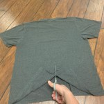 Cutting a t-shirt before mounting it