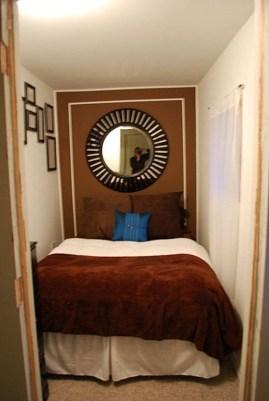 Small bonus room in detached garage