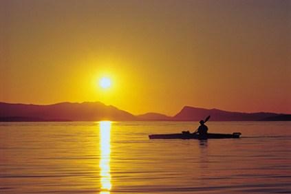 Kayaker_at_Sunset