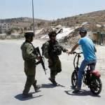 Israel suspends Palestinian entry permits