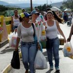 Venezuelans stream into Colombia to buy basic goods