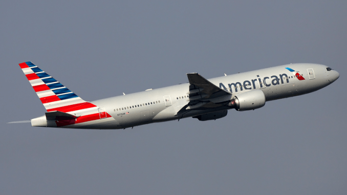 An American Airlines Boeing 777-223/ER departs from Shanghai Pudong International Airport on May 21, 2013. (Sergey Kustov via Wikimedia Commons)