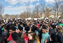 Hundreds of Montgomery County students march to Capitol Hill for stricter gun control laws. (Courtesy of WTOP.com)