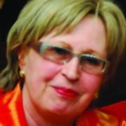 Manuela Hoelterhoff