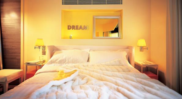 Inside JIA Hong Kongs Suite Bedroom