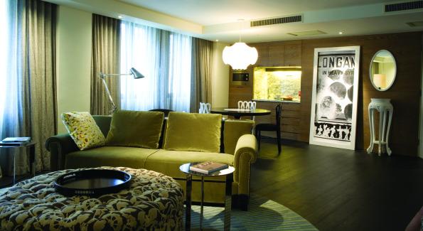 Bedroom. Courtesy of JIA Shanghai Hotel.