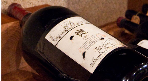Fine vintage wine. (Photo by Anchyi Wei)