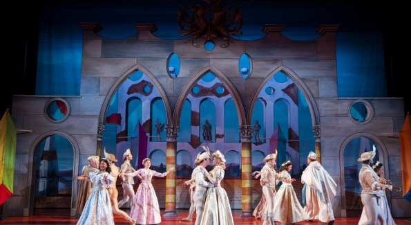 The company of Kiss Me, Kate, directed by Alan Paul at the Shakespeare Theatre Company. (Photo by Scott Suchman)