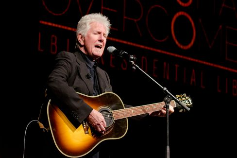 Graham_Nash_in_April_2014_(a)