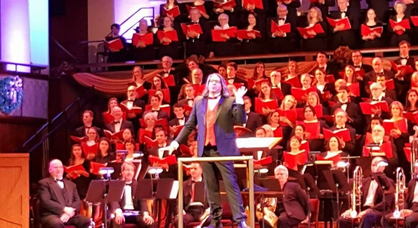 Maestro Julian Wachner conducts one of his last Christmas Concerts with The Washington Chorus at The Kennedy Center. (Photo Credit: Patrick D. McCoy)