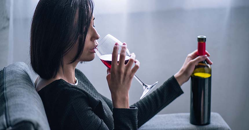 Women Now Consume As Much Alcohol As Men And Are More Susceptible To Illness