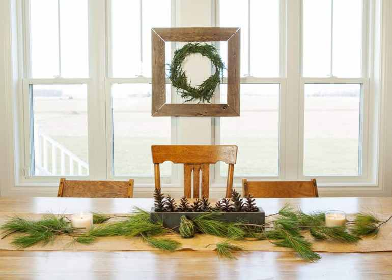 eclectic dining room christmas decor